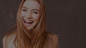aparat ortodontyczny estetyczny